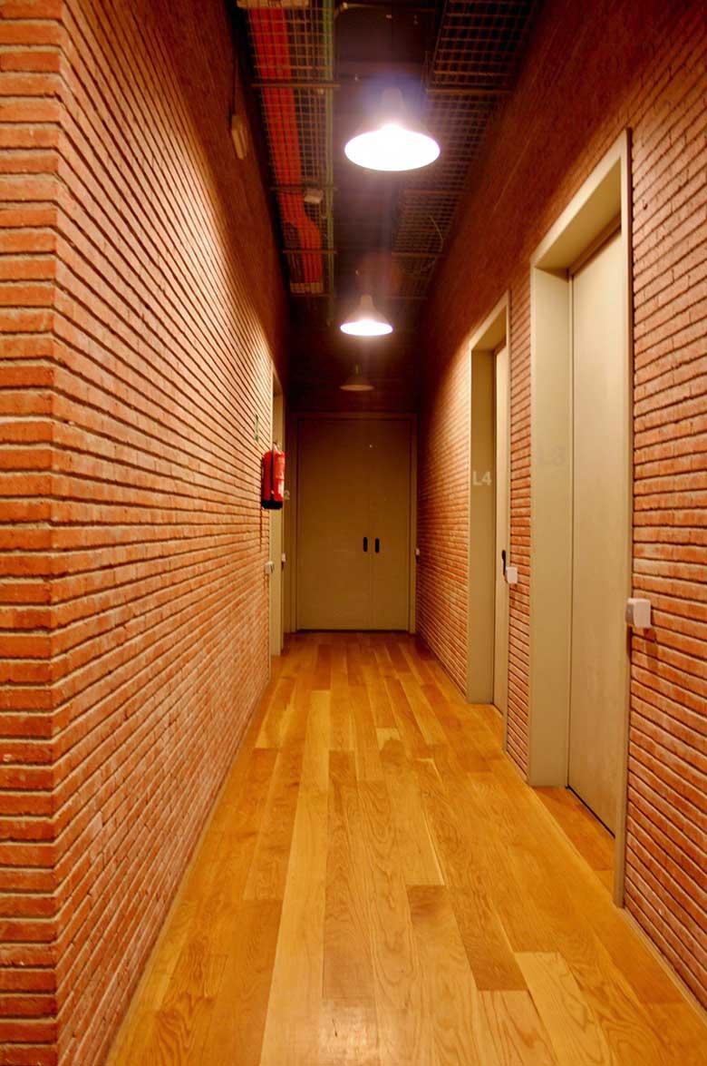 Edificio Pere IV - pasillo @Marc García-Durán, arquitecto